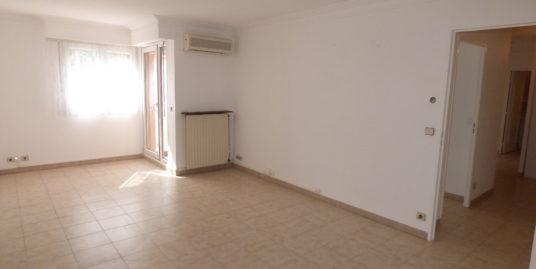 Appartement T3 69m² balcon et parking – Draguignan