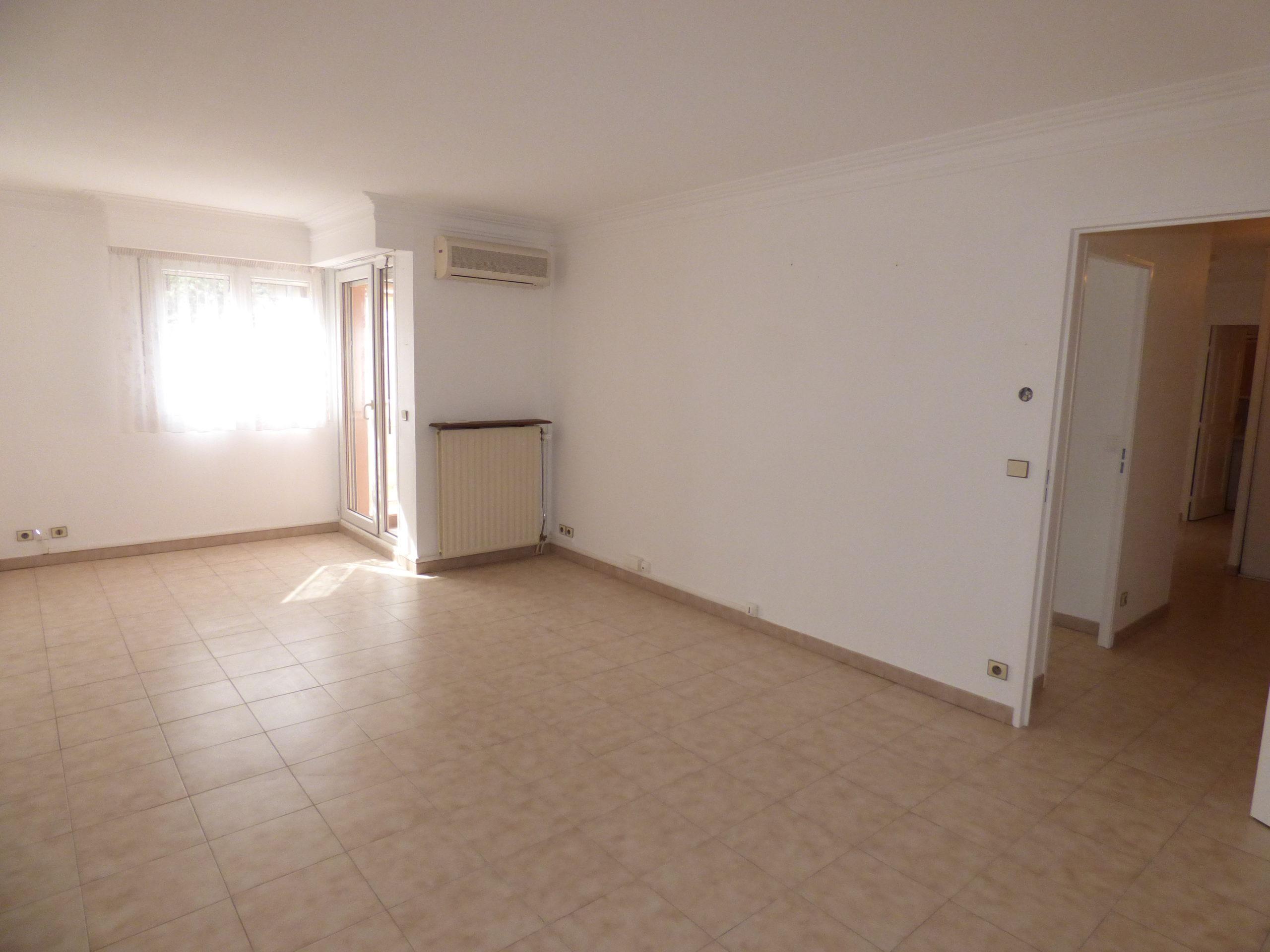 Appartement T3 69m² balcon – Draguignan