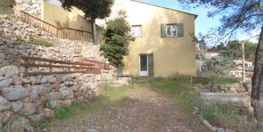 Villa mitoyenne 132m² 3 chambres avec jardin – Le Luc