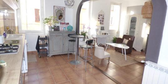 Appartement de charme T3 72m² – Le Luc