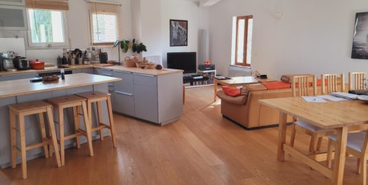 Appartement de charme T4 112m² – Le Cannet des Maures